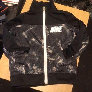 5/ S Nike zip up